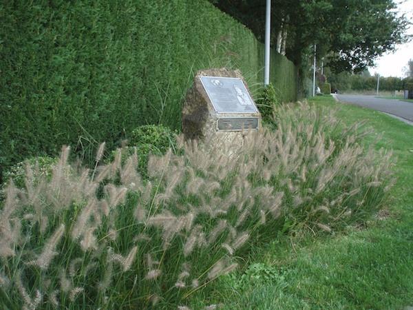 433_Melle_Younge_Volckaerts.jpg|433 Melle Monument2 JOlsen.jpg