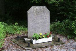45 Virelles Monument SVolckaerts.jpg