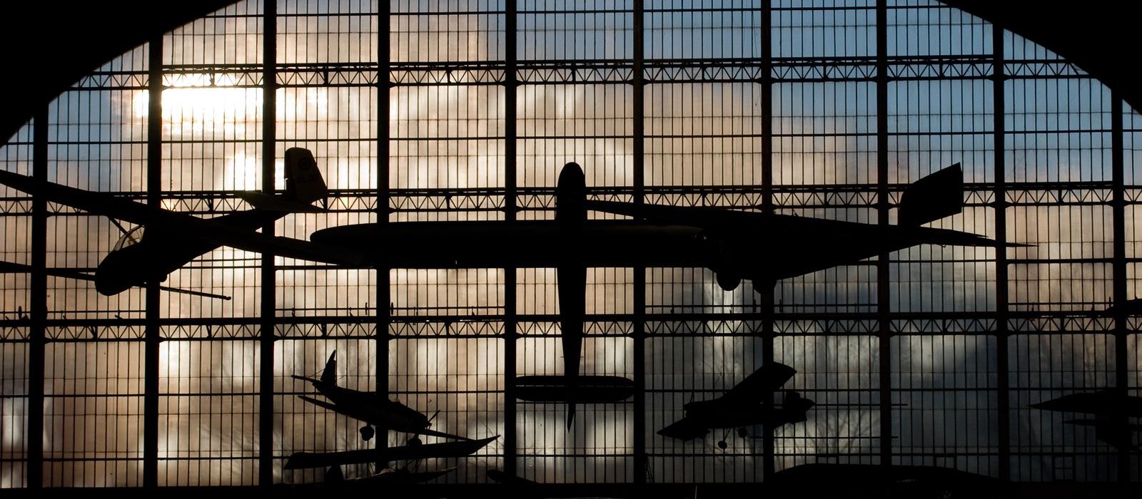 Het jubelpark in Brussel herbergt een imposante collectie vliegtuigen.