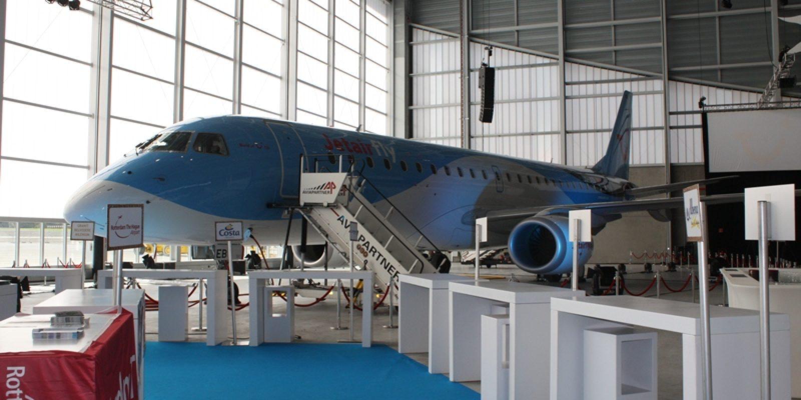 12Jetairport OO-JEB EMB-190 IMG_9105.JPG