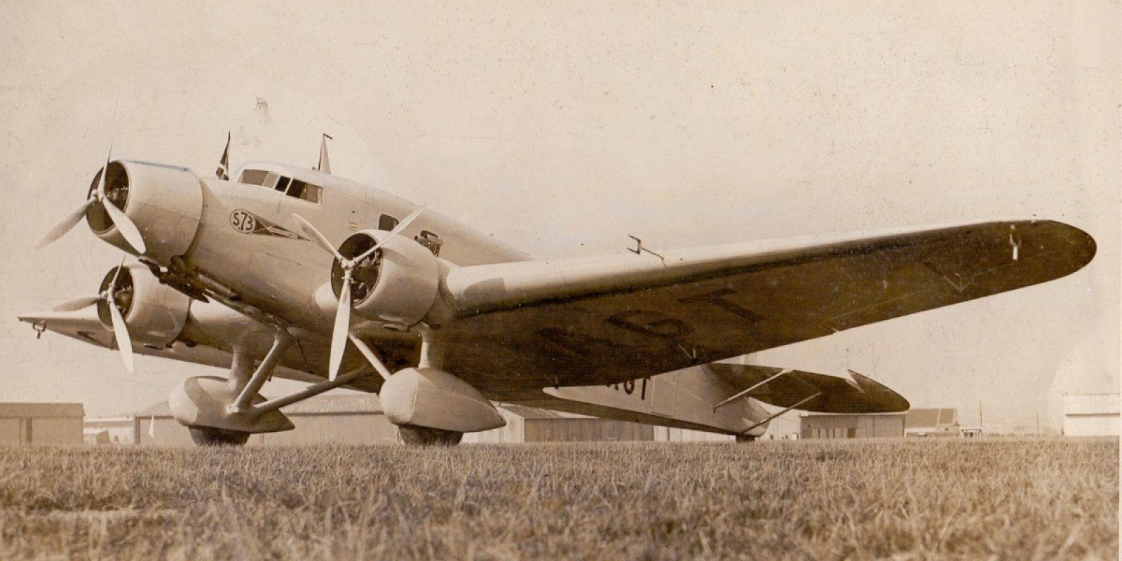 De S.73 OO-AGT, prachtig gefotografeerd op de luchthaven van Haren. (Foto Graphopresse, archief Frans Van Humbeek)