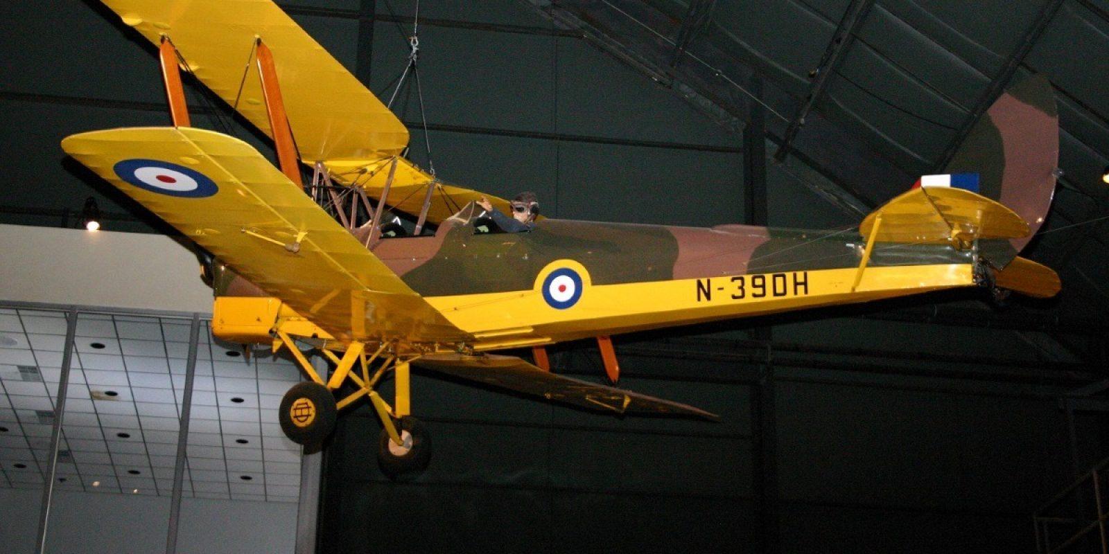 De Tiger Moth ex-OO-NCN in februari 2007 gefotografeerd in het National Museum of the U.S. Air Force. (Foto Guy Viselé)