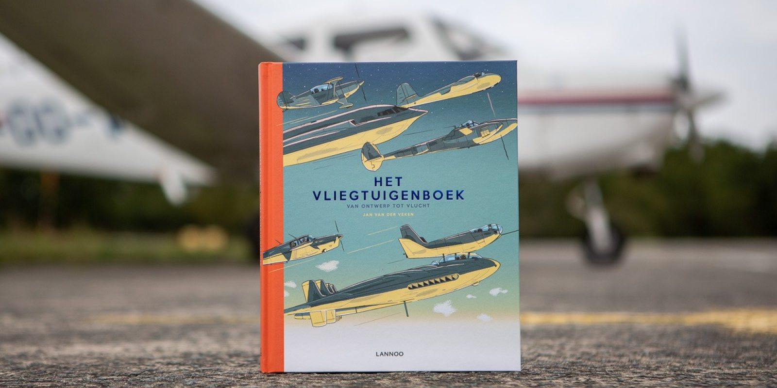 201908_HetVliegtuigenboek00_TBR