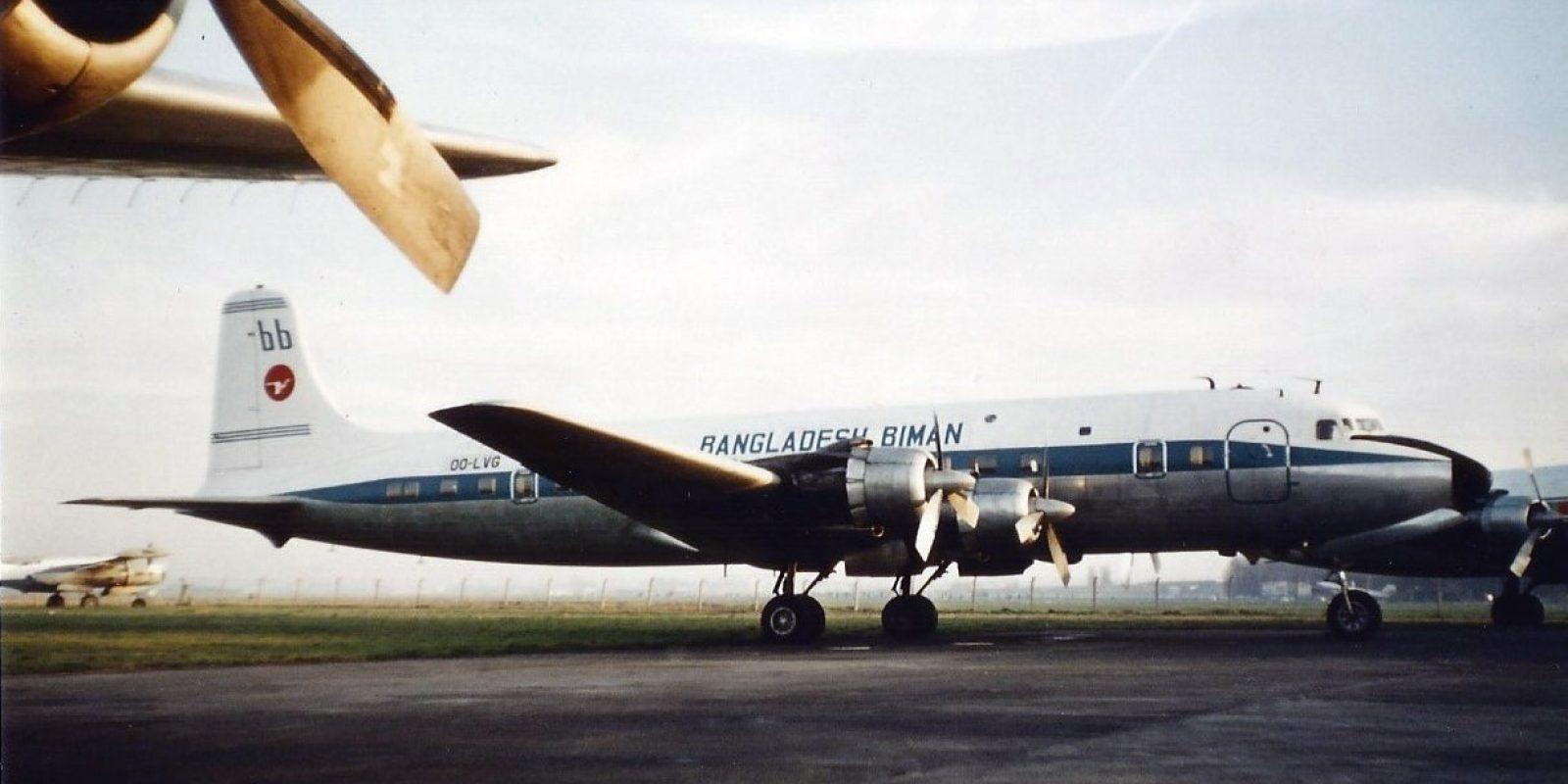 Een nieuwe aanwinst voor Delta Air Transport. Deze DC-6B OO-LVG werd in de kleuren van Biman Bangladesh afgeleverd op Deurne.