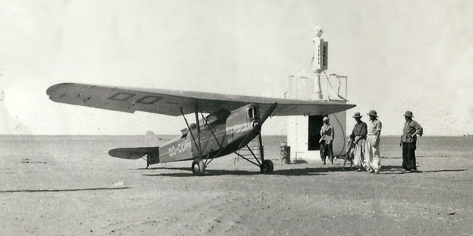 Aankomst te Bidon-V in de Tanezrouft woestijn ('Arrivée à Bidon V.') (Foto Brussels Air Museum via Jean-Pierre Decock)