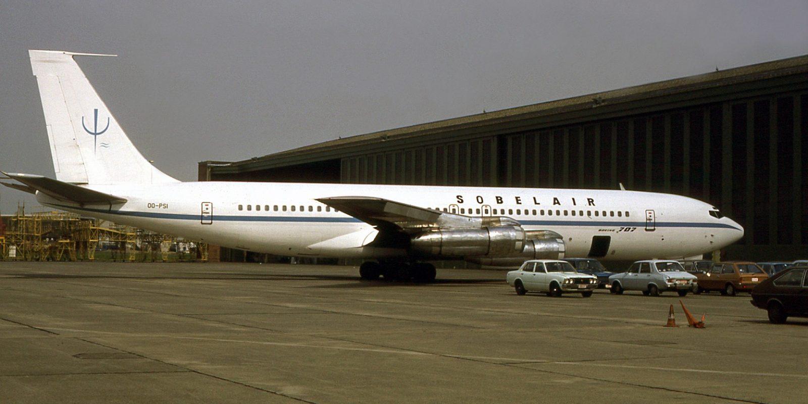 Le Boeing 707 (avec son immatriculation correcte OO-PSI) n'effectuera quasi pas de vols pour la CER. Photographié en mars 1979, il arbore le sigle « psi » de la CER (rappelant le projet « Planet Survival International ») sur la dérive, et les titres « Sobelair » sur le fuselage.