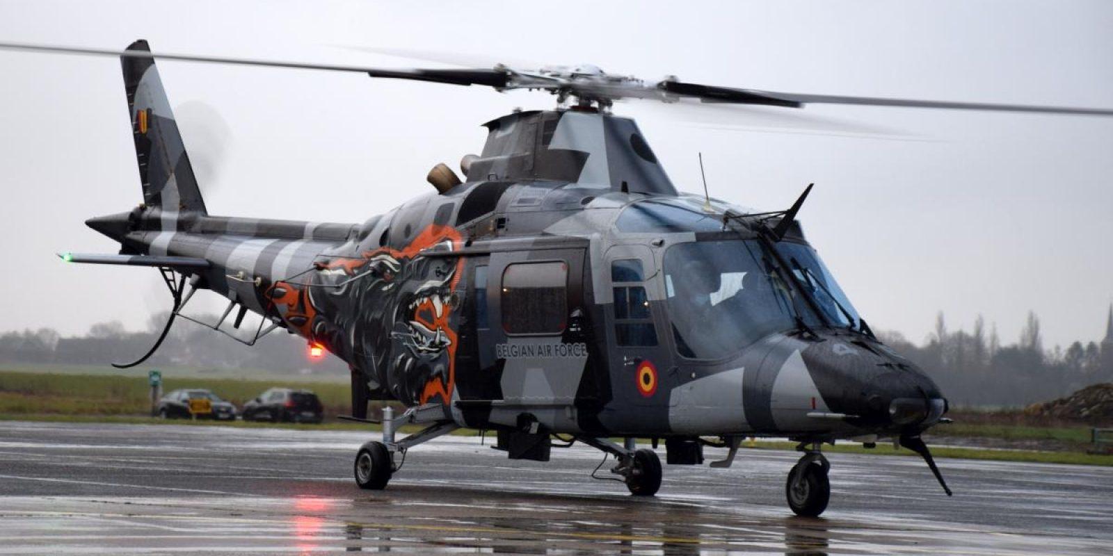 Le H-46 montre ses lignes élégantes dans ses nouvelles couleurs.