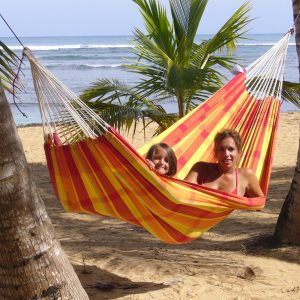 Amazonas hängmatta Barbados papaya XL på stranden