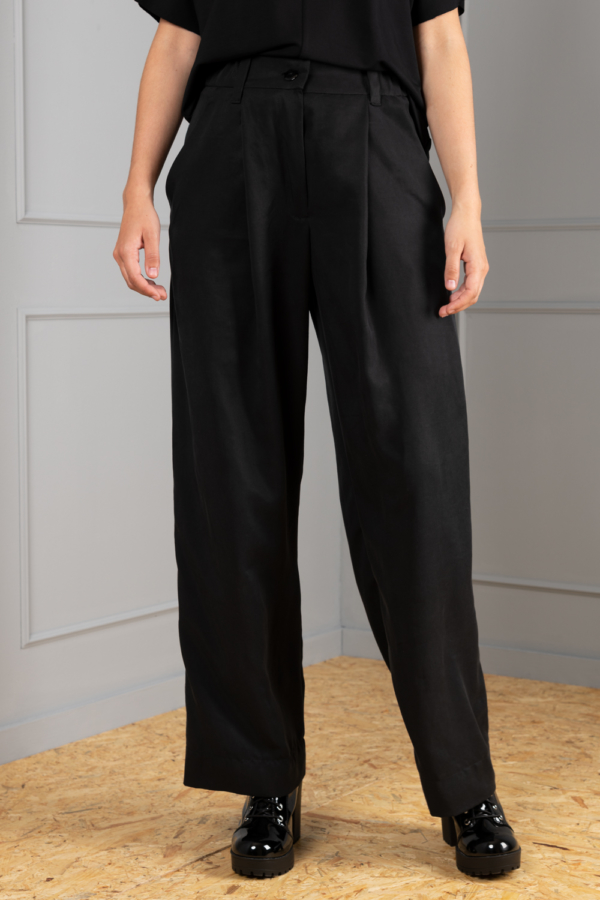 Band-pleated wide-leg black womens trouser