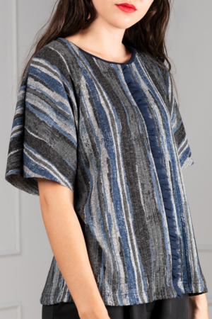 relaxed tee of fine-knit