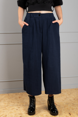 hydrophilic dark blue 7/8 trousers with wide-leg