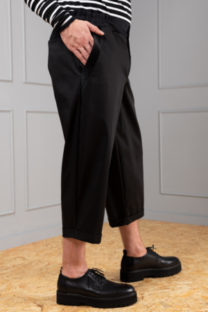 elegant 7/8 trousers for men