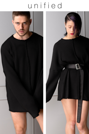 black-knitted unisex oversized pullover