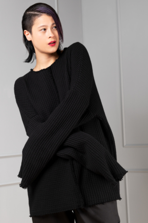 black-knitted oversized pullover for women