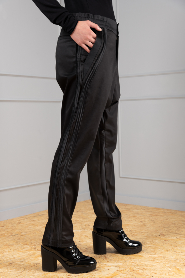 elegant sporty trousers for women
