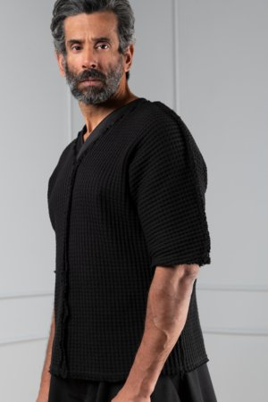 black waffle-knit unisex top