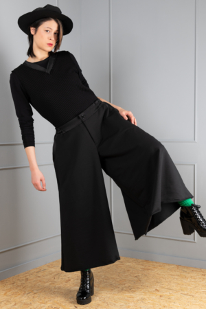 comfortable women's skirt trousers