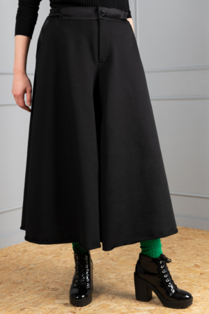 Black_wide_skirt_trousers_women_Haruco-vert.