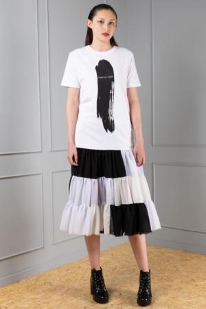 black-and-white graphic print dress