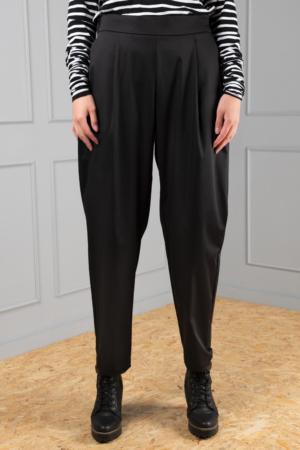 black women's pleated trousers