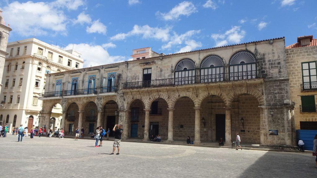 Foto des Palacio de Lombillo und der Casa del Marques Arcos