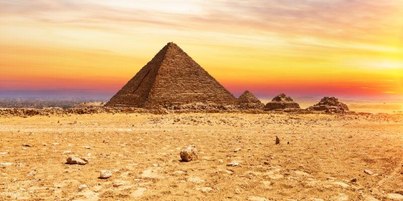 De Pyramide of Menkaure en de Pyramiden van de koninginnen, Giza, Egypte