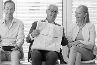 Læs avis og se på iPad uden briller