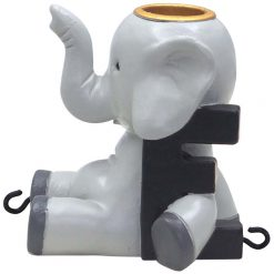 E med elefant