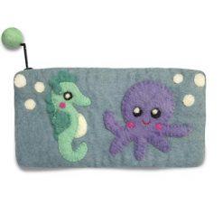 Penalhus med blæksprutte og søhest