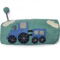 Penalhus med blå traktor