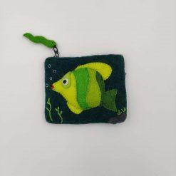 Pung fra Gamcha med grøn fisk