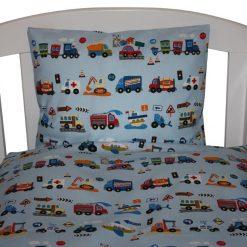 Sengetøj med biler og trafik