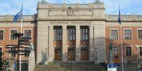 https://commons.wikimedia.org/wiki/File:Göteborgs_universitet_-_huvudbyggnaden.jpg