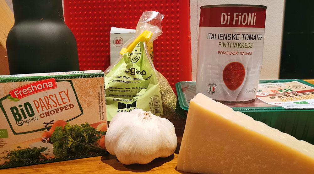 spaghetti og kødboller ingredienser