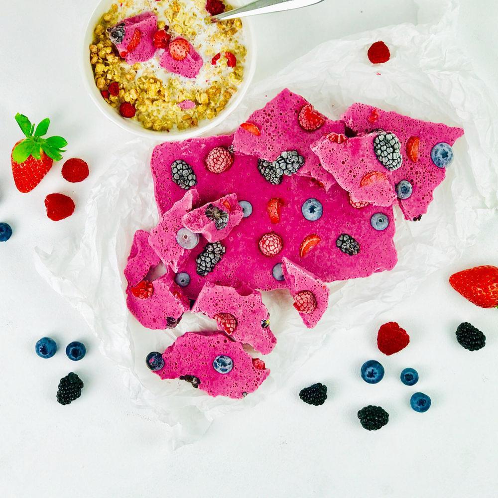 Frozen-Yogurt-mixed-berries