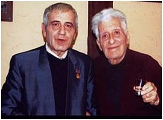 Edvard Mirzoyan (derecha) con el compositor Ruben Sarkisyan en 2011