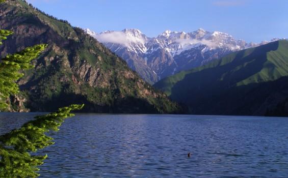 kyrgyzstan-landscape-565x350