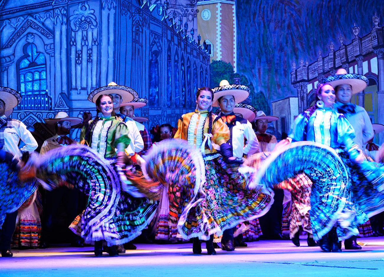 """Ballet basado en la música de """"Pueblerinas"""""""