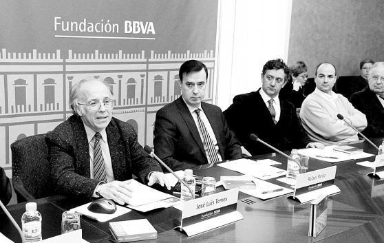 José L. Temes (A la izquierda)