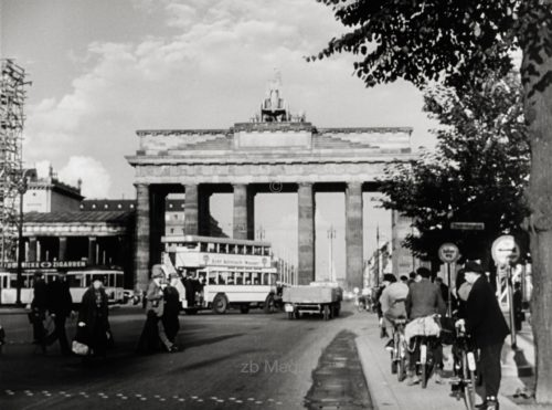 Berlin 1937, Brandenburg Gate