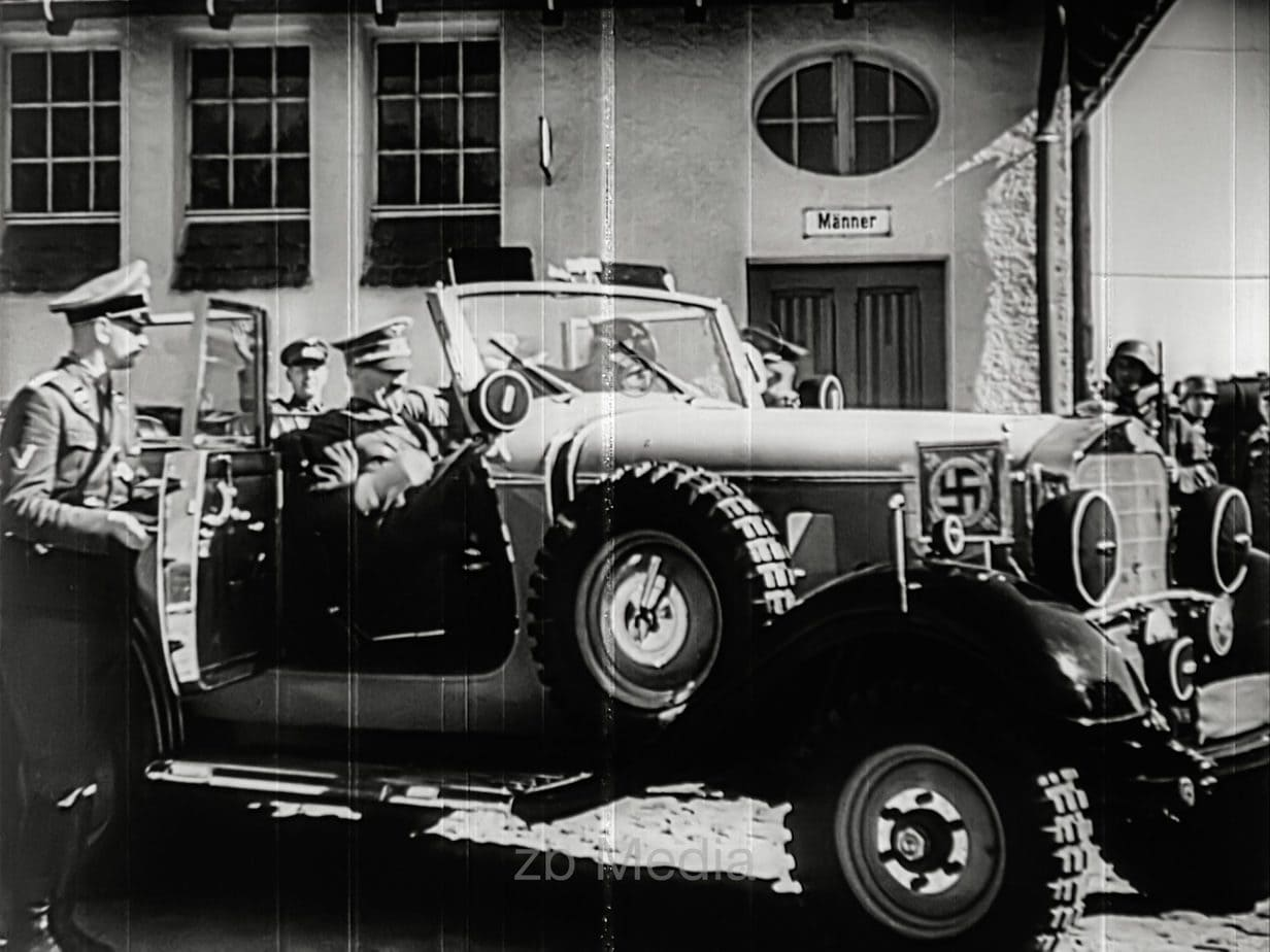 Hitler in command car 1939