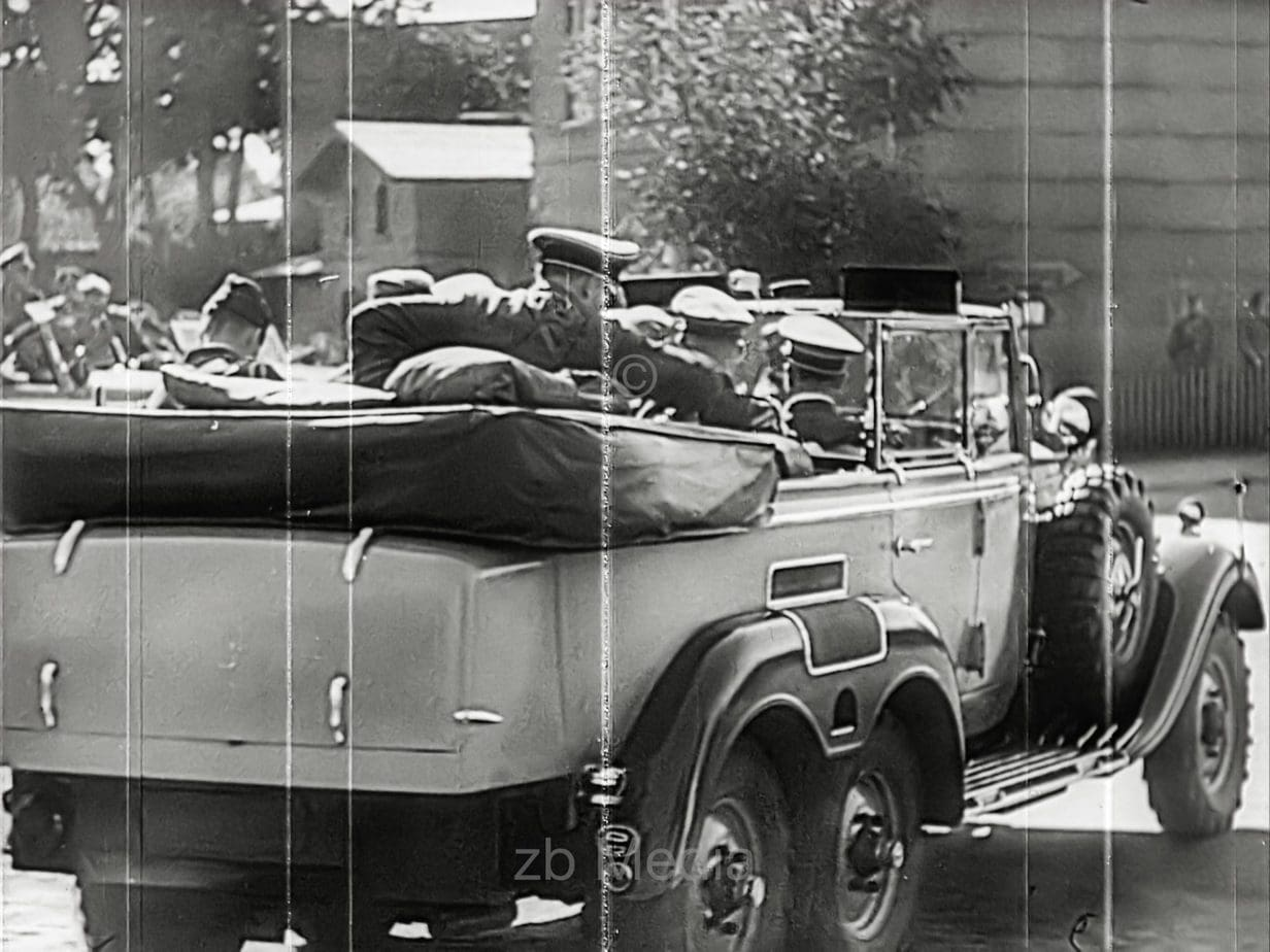Hitler in command car 1939