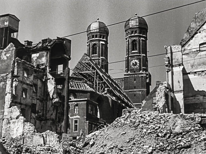Frauenkriche München Sommer 1946