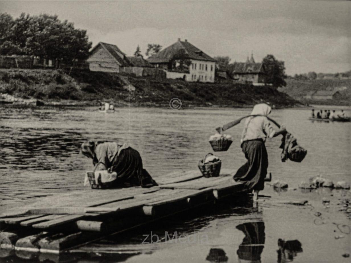 Frauen Am Fluss. Sowjetunion 1930