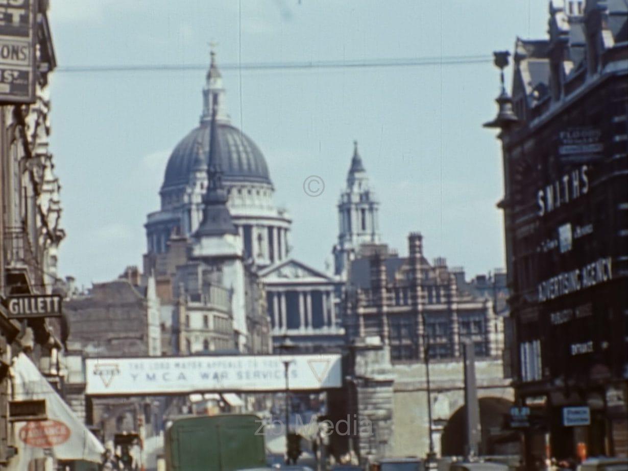 St. Paul's, London, Mai 1944