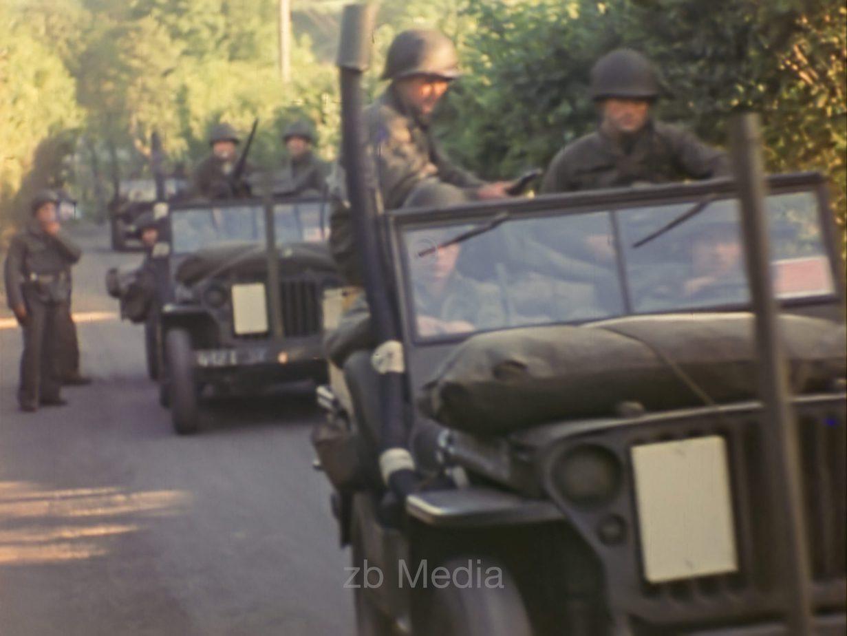 D-Day 1944, US-Jeeps vor Verladung