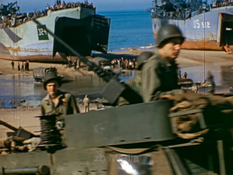 Halbkettenfahrzeug am Strand, D-Day 1944