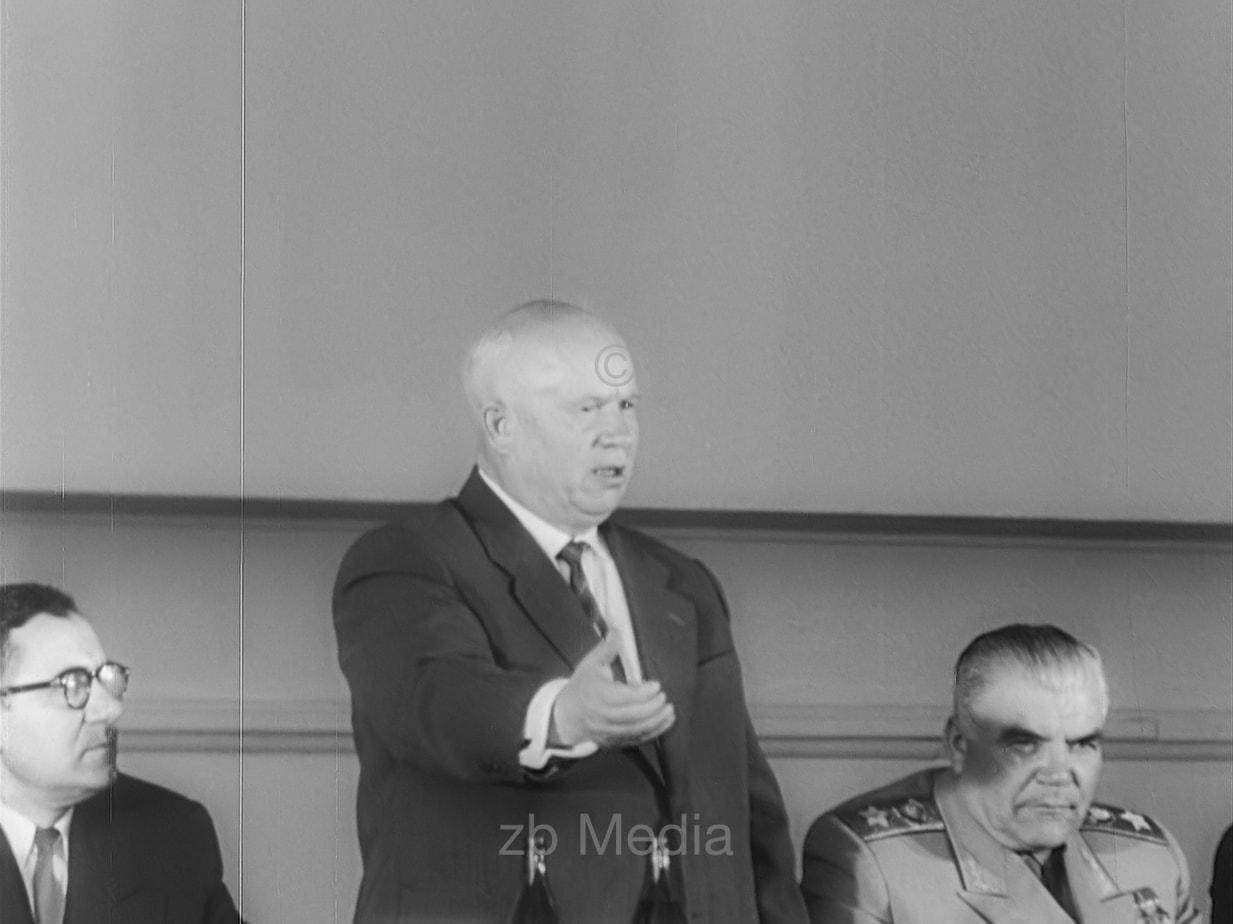 Nikita Chruschtschow spricht