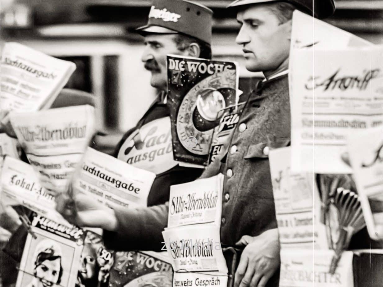 Zeitungsverkäufer in Berlin 1930