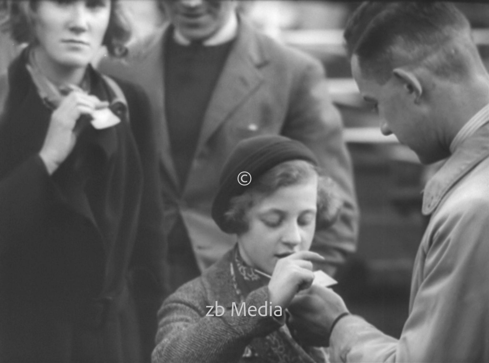 Erster Kindertransport erreicht England 1938